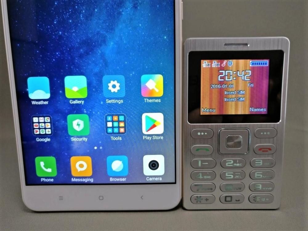 SATREND A10 GSM ミニカードフォン Xiaomi Mi Max 2と比較 縦 ズーム