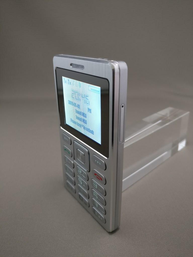 SATREND A10 GSM ミニカードフォン 表9