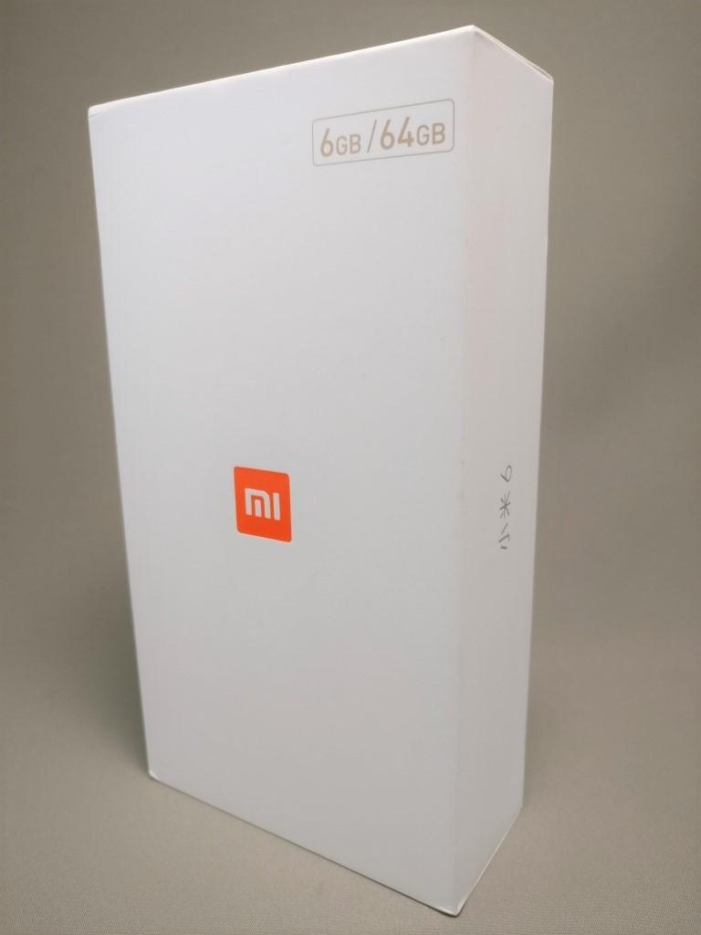 Xiaomi Mi6 化粧箱 表 斜め