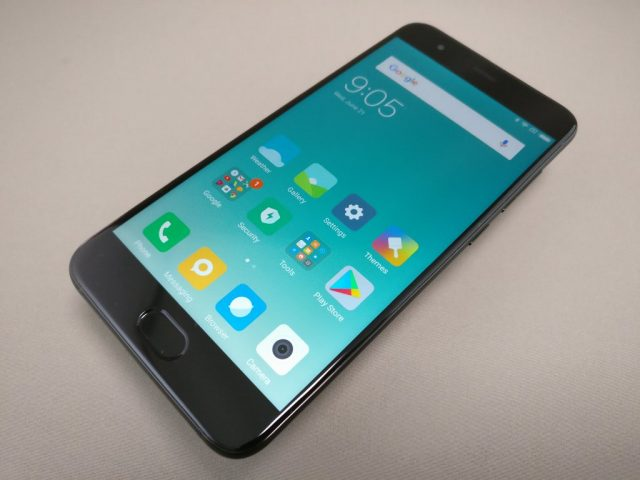 Xiaomi Mi6 表 斜め右