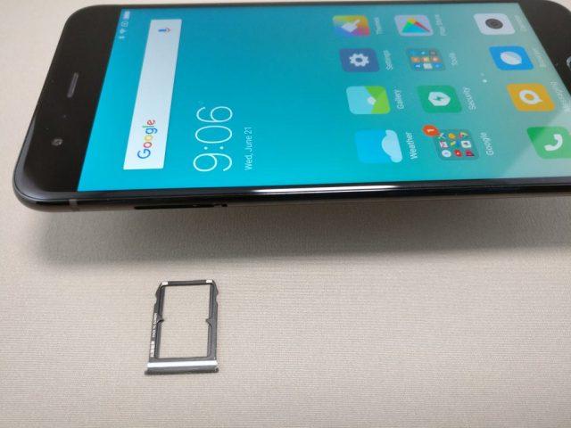 Xiaomi Mi6 SIMスロット 出す NanoSIM2枚