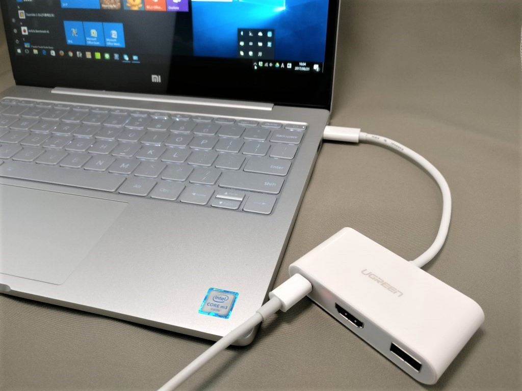 UGREEN USB-C ハブ Xiaomi Mi Notebook Air 12.5 と接続