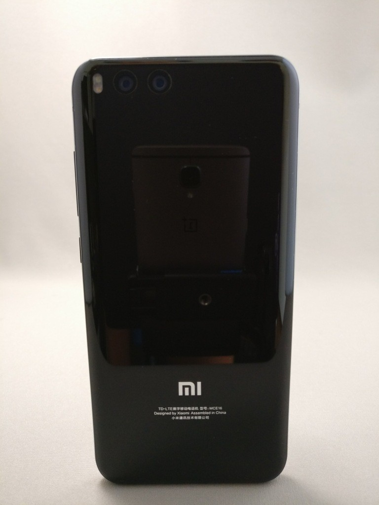 Xiaomi Mi6 裏面7