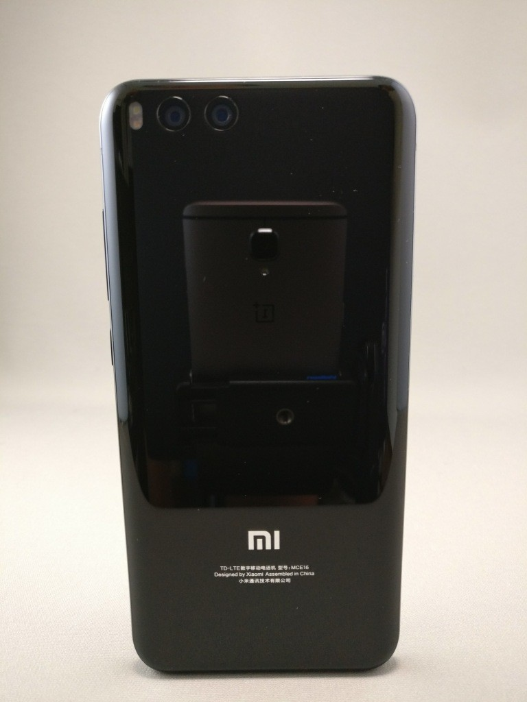 Xiaomi Mi6 裏面3