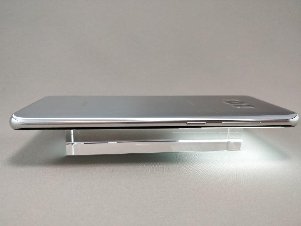 Galaxy S8+ 側面左