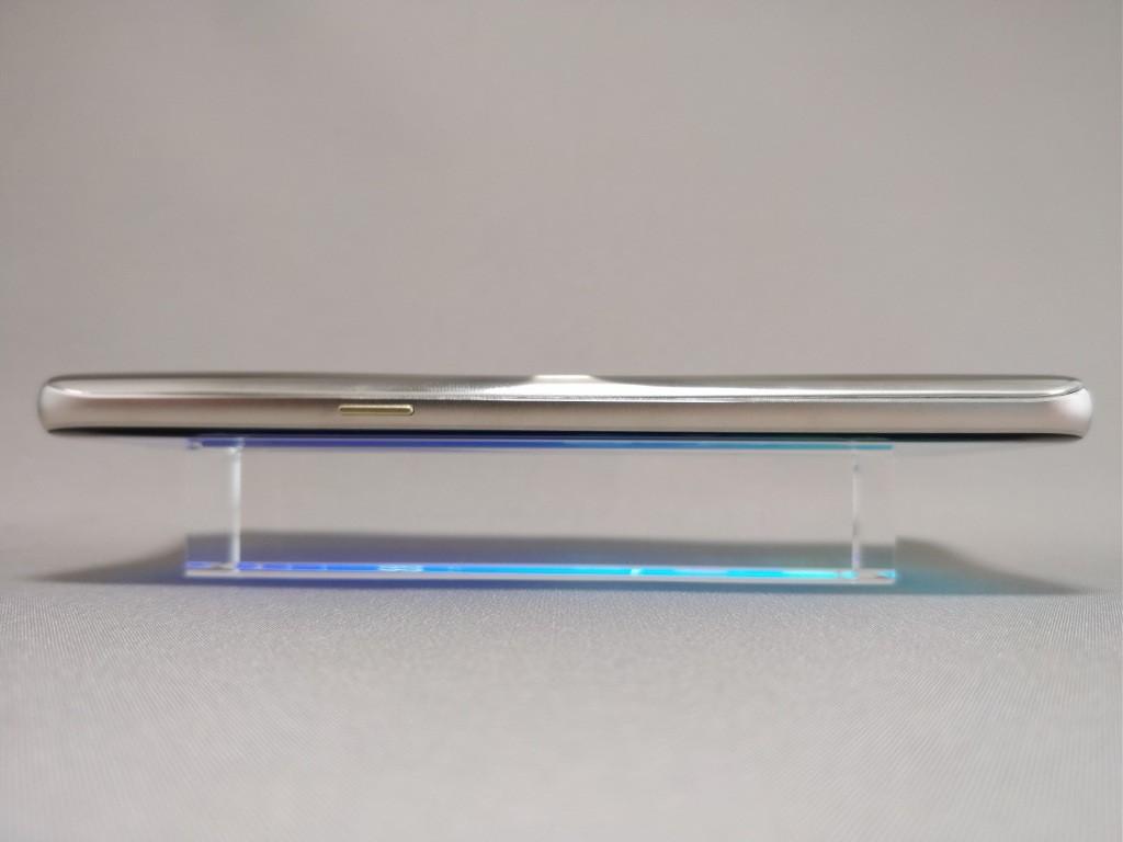 DOOGEE S8 側面 横2