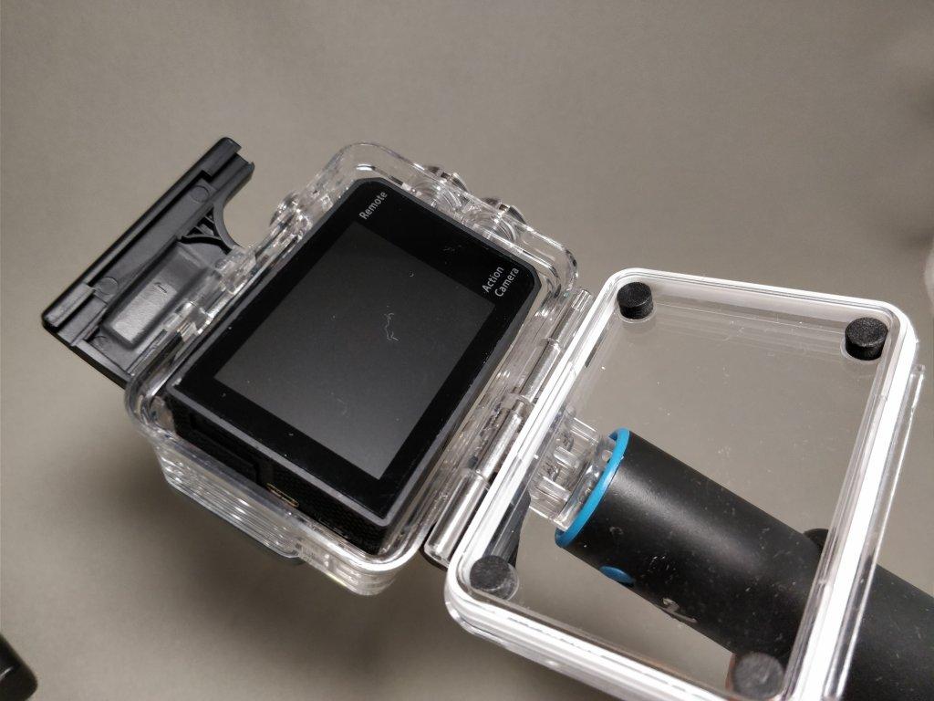 EKEN H8s 4K アクションカメラ 防水ハウジング Andoer AN7000 入る