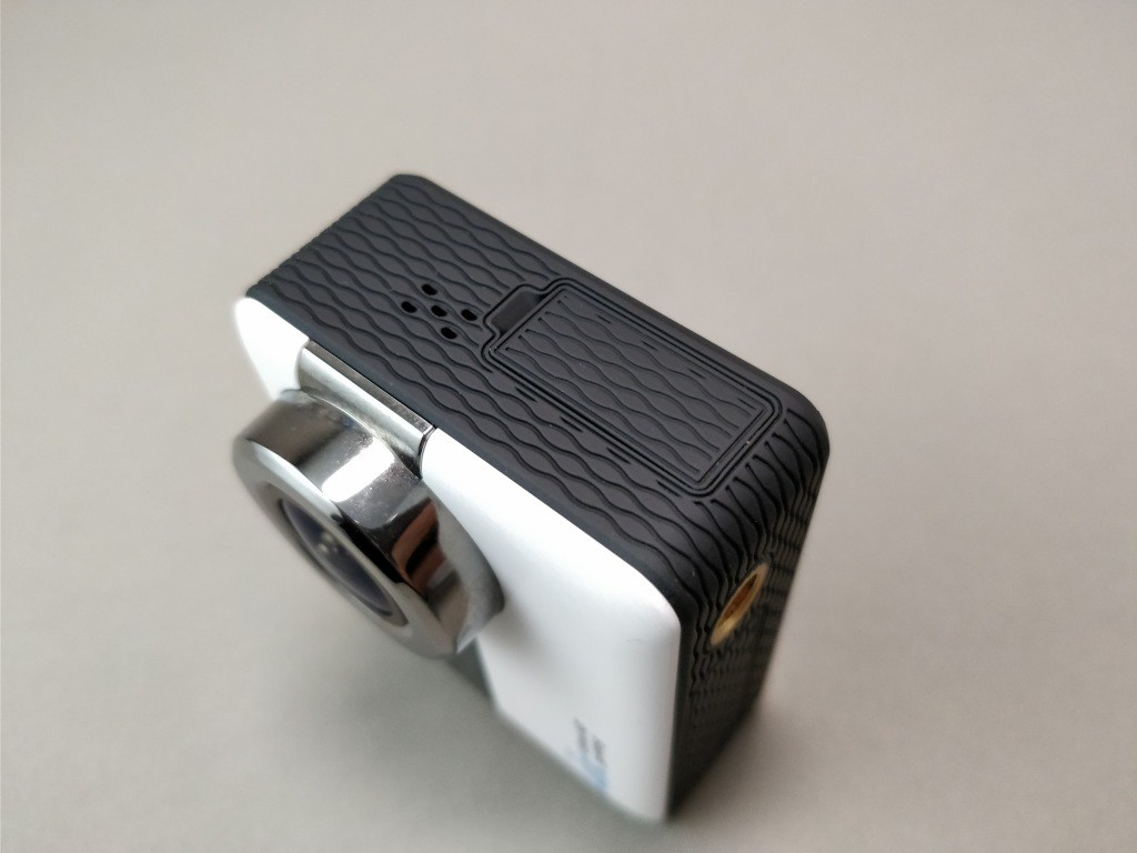 Andoer 4K タッチパネル式 アクションカメラ AN1 本体 ポートフタ