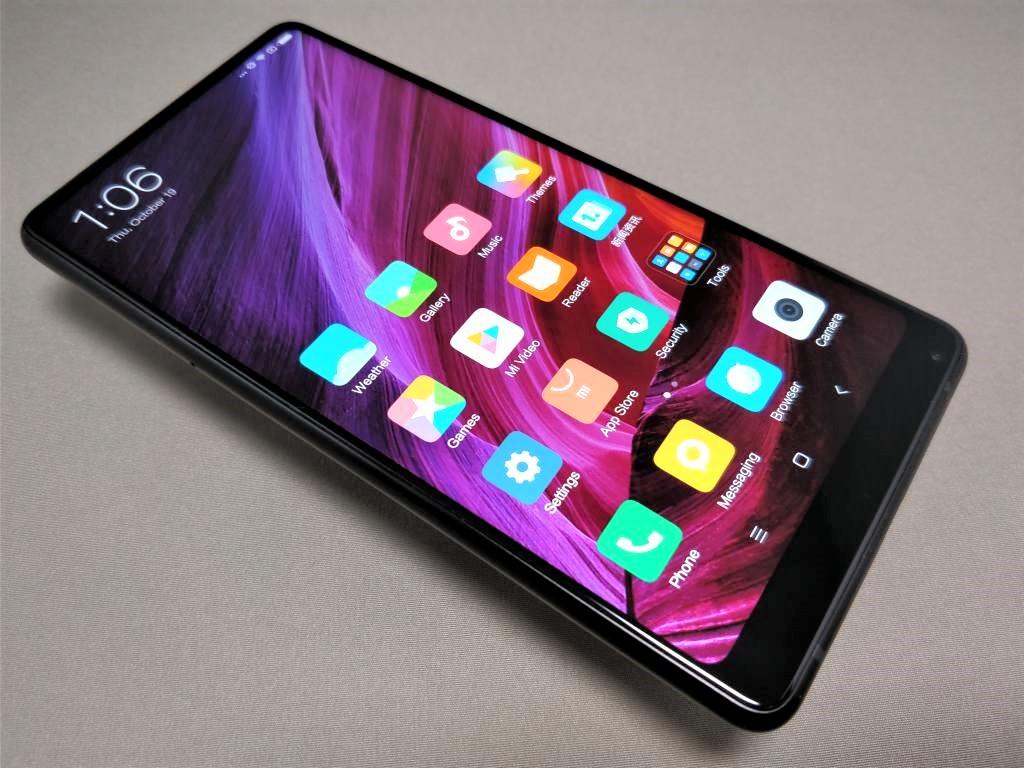 Xiaomi Mi MIX 2 表面 斜め