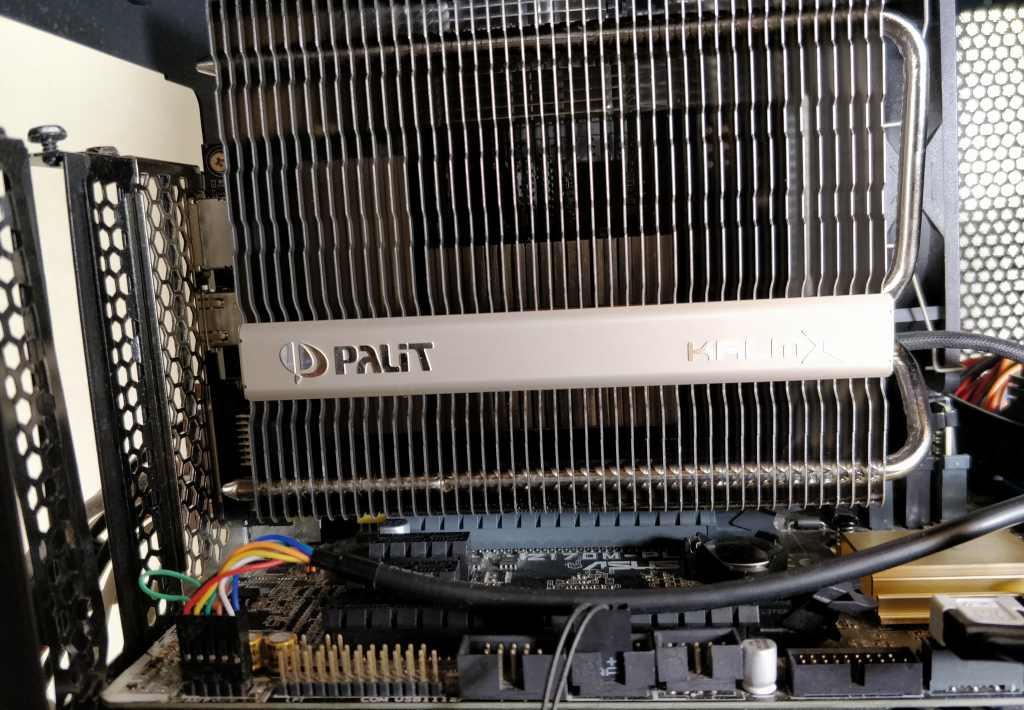 Palit GeForce GTX 1050 Ti KalmX  装着1