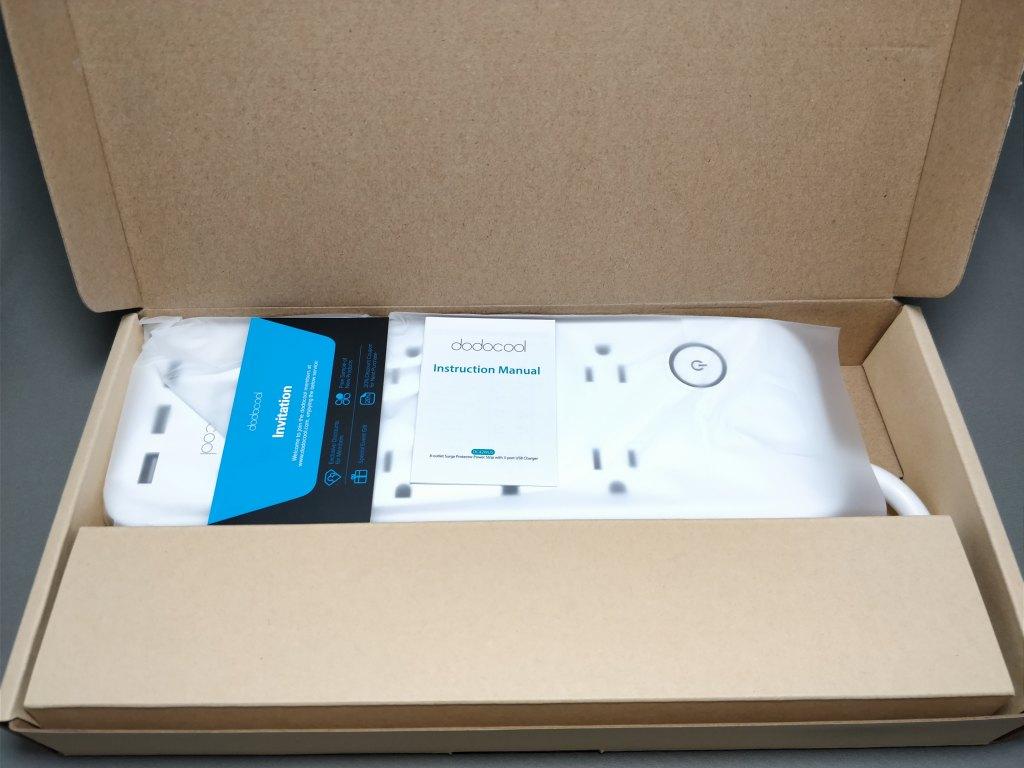 dodocool コンセント8口+USB充電ポート3口 電源タップ 化粧箱 開ける