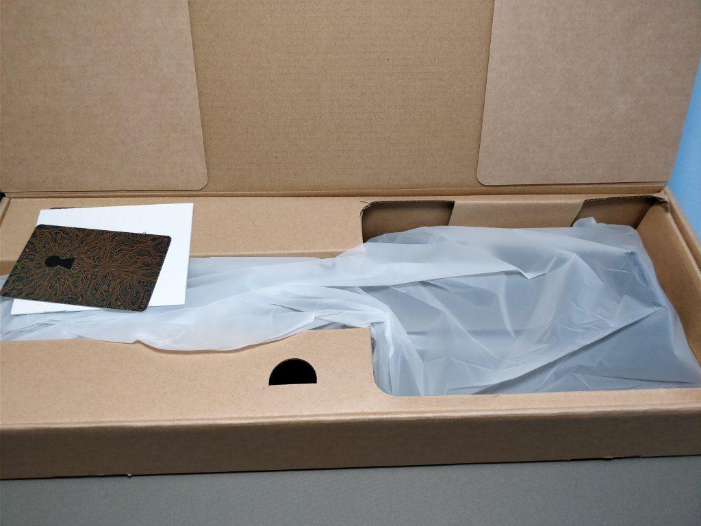 AUKEY LEDデスクライト LT-ST31 開封