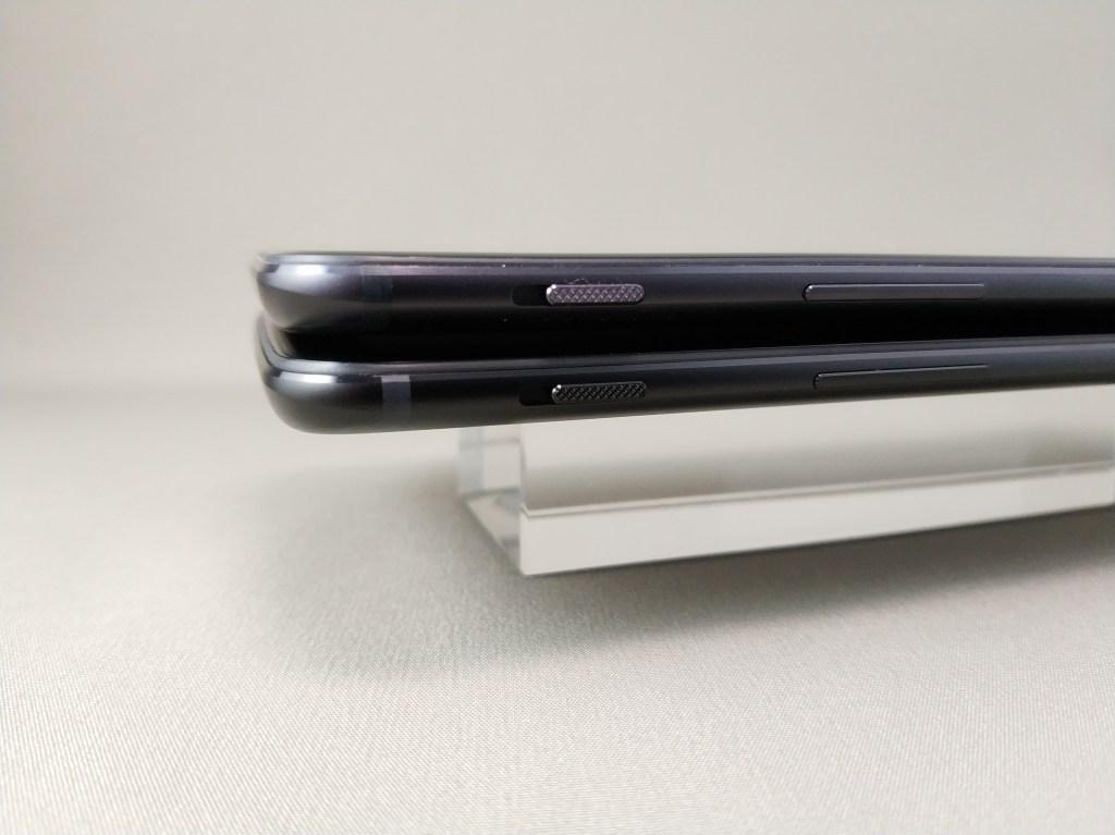 OnePlus 5Tと旧機種OnePlus 5 外観比較 側面左ズーム