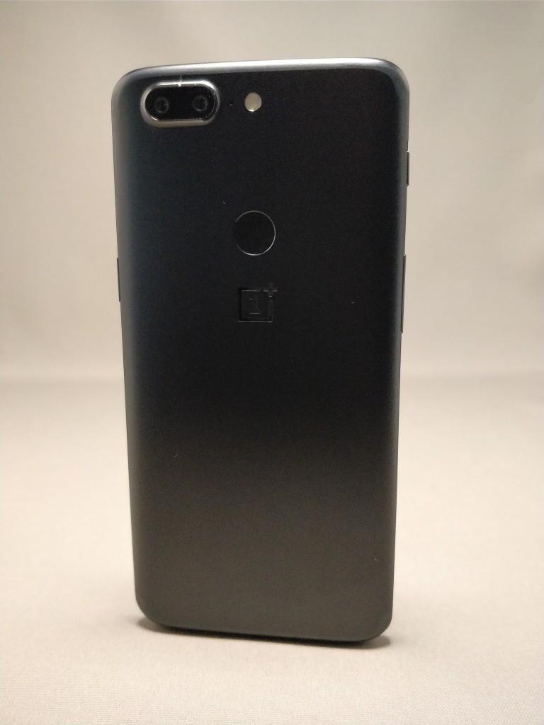 OnePlus 5T 裏6