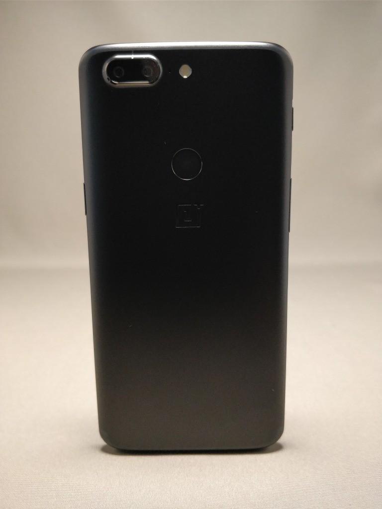 OnePlus 5T 裏7
