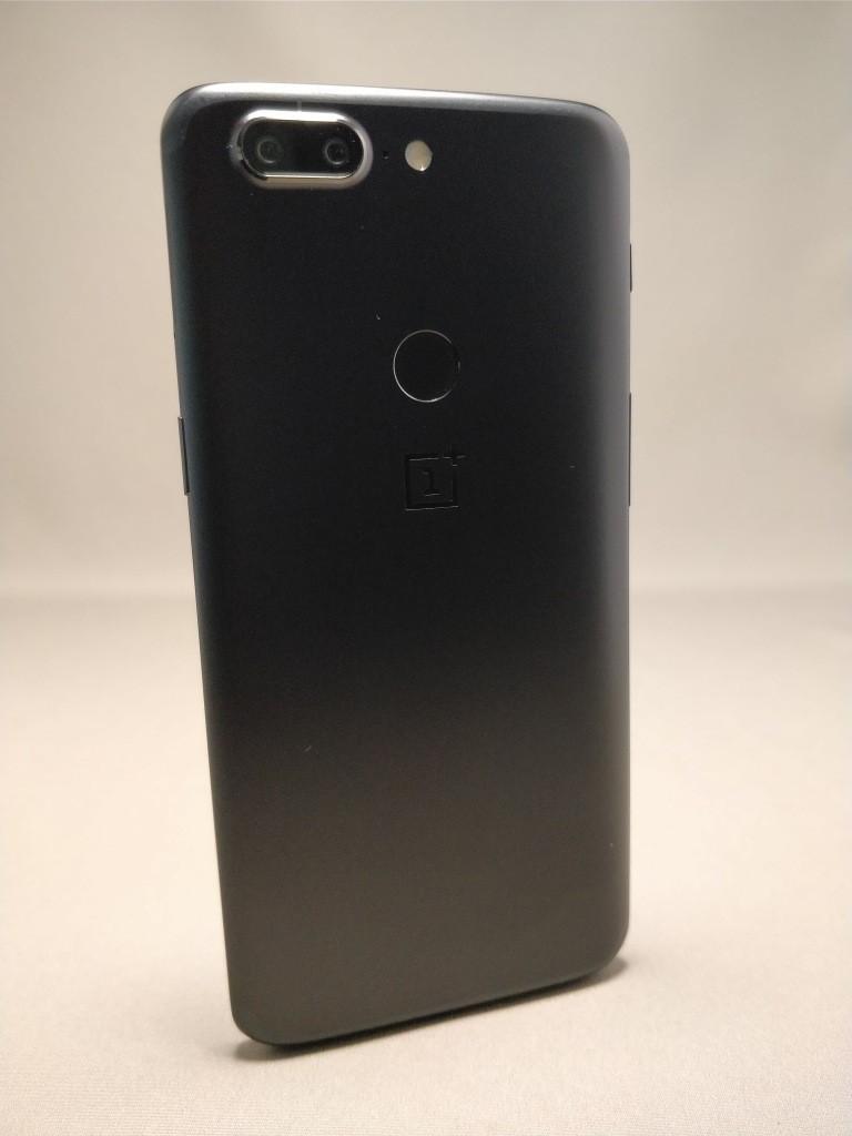 OnePlus 5T 裏11