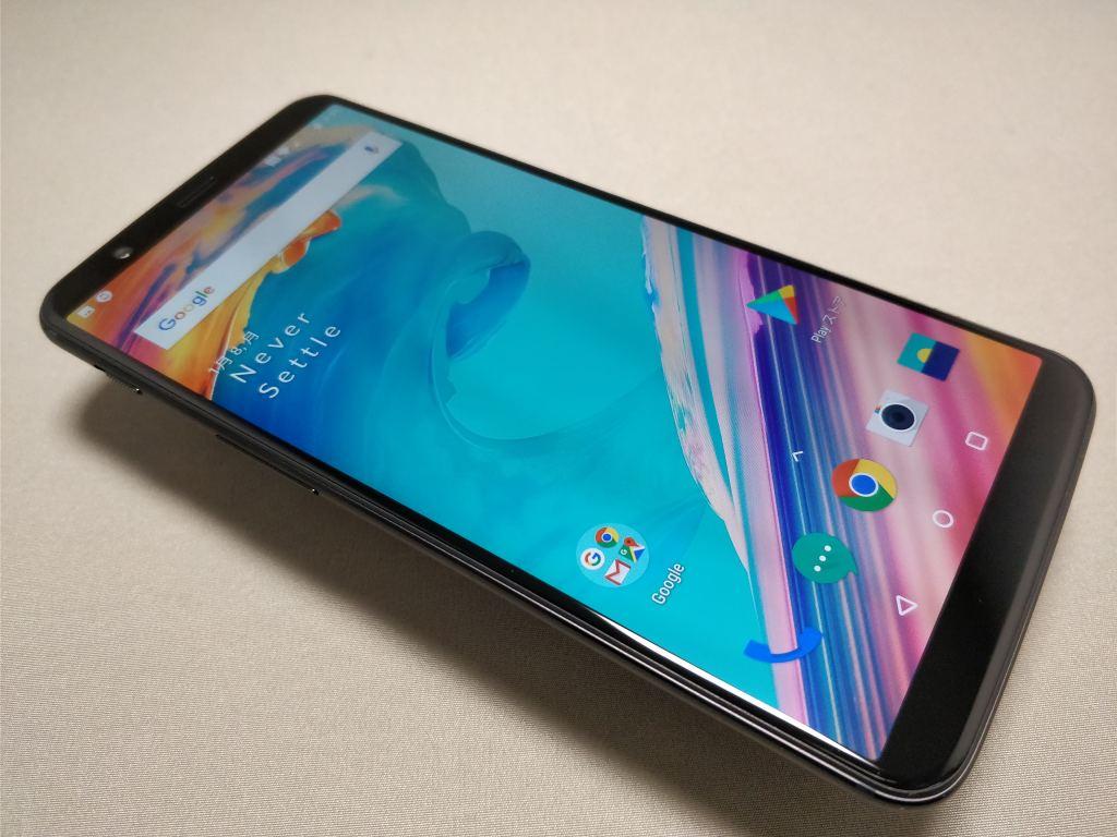 OnePlus 5T 表 斜め2