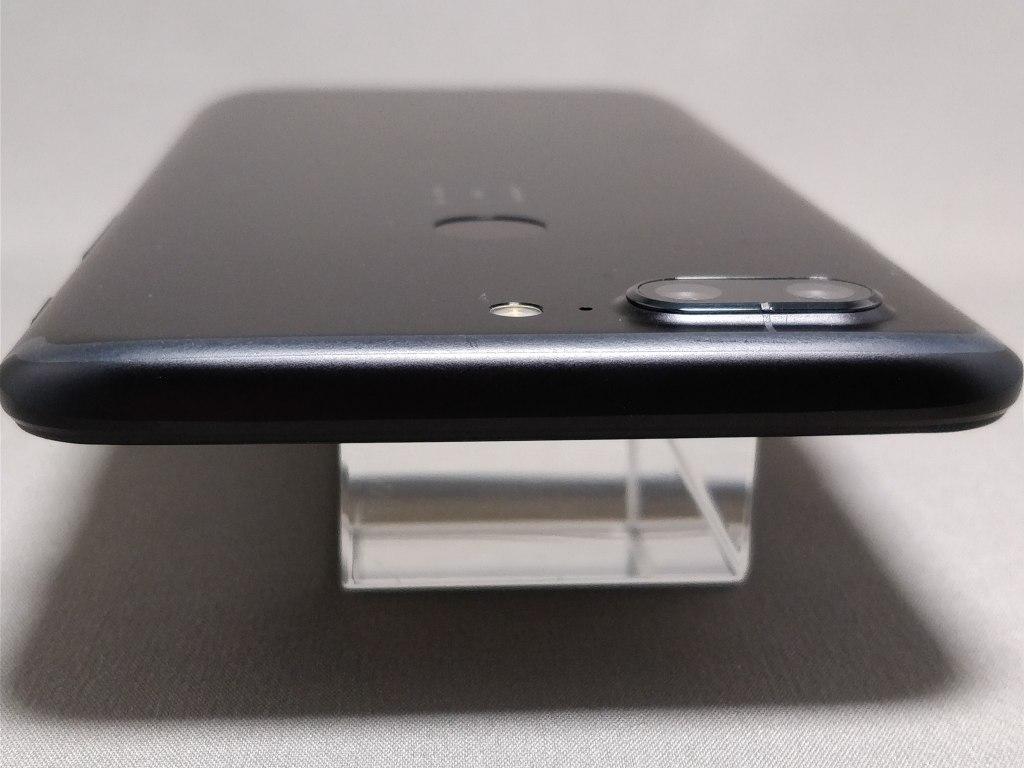 OnePlus 5T 側面 上2