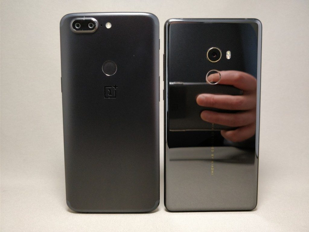 Xiaomi Mi MIX2 & OnePlus 5T 裏