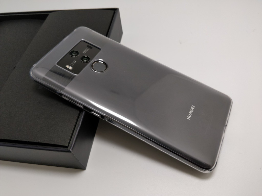 Huawei Mate 10 Pro 化粧箱 開封 保護ケース 裏