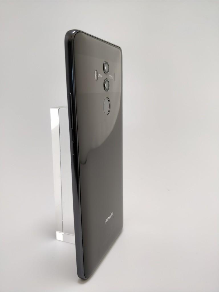 Huawei Mate 10 Pro 裏 2