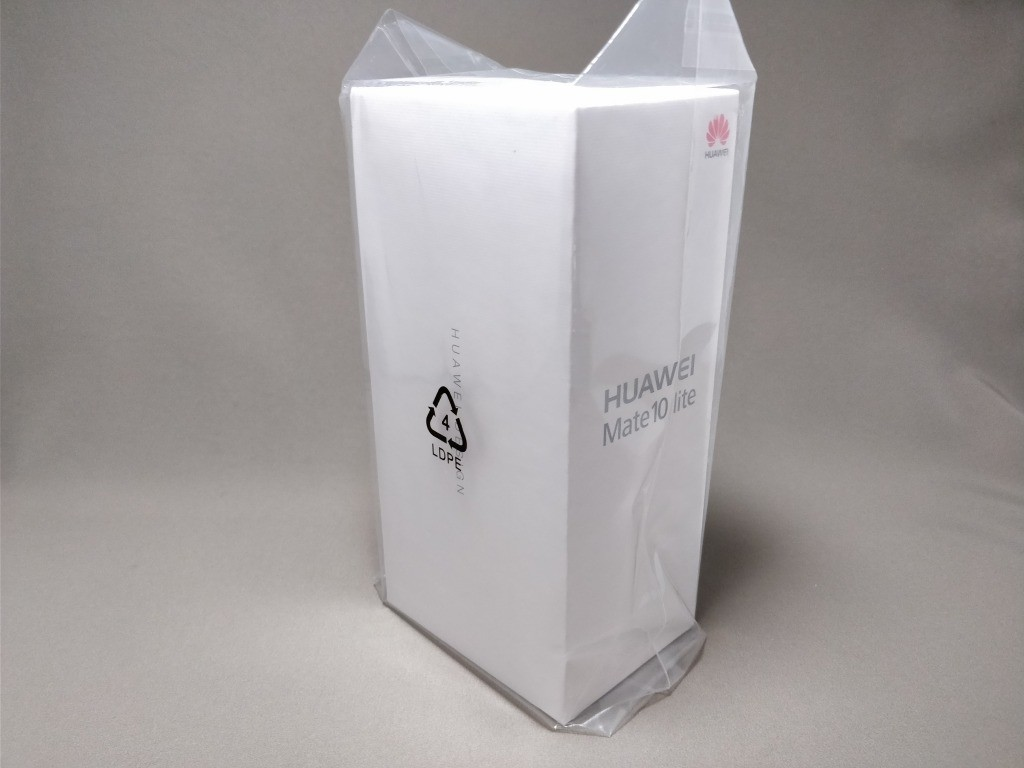 Huawei Mate 10 Lite 化粧箱2