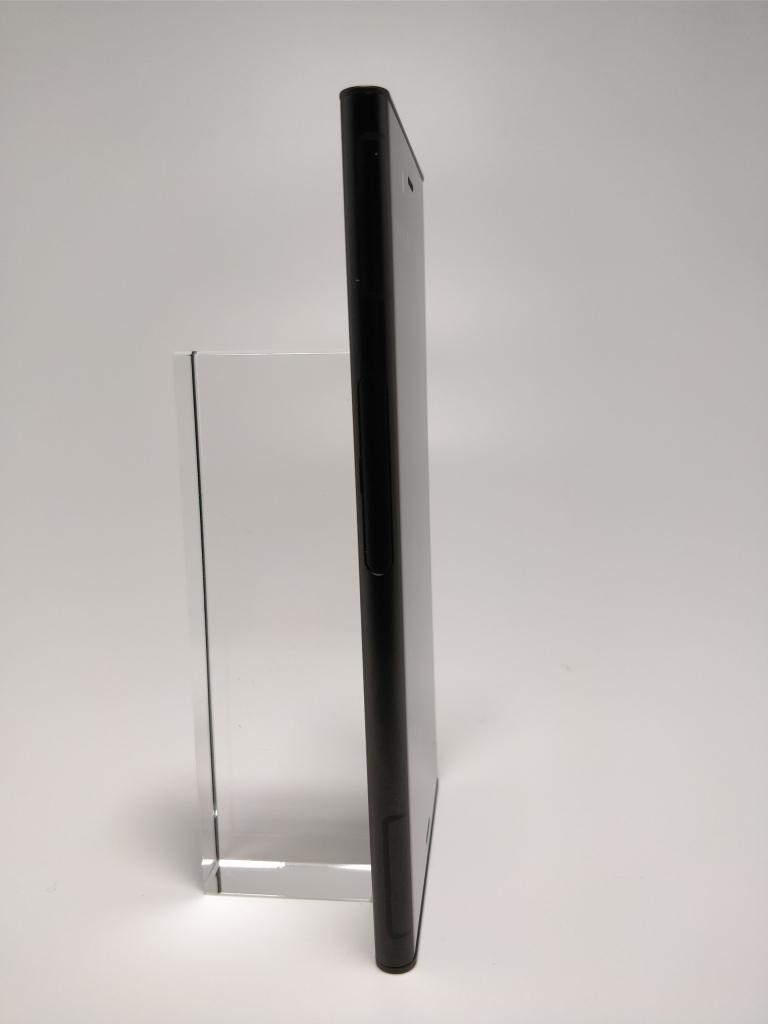 Sony Xperia XZ1 表2