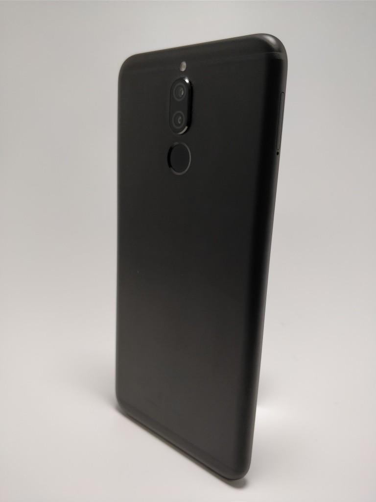 Huawei Mate 10 Lite 裏 4
