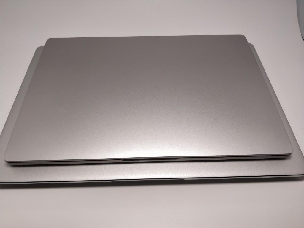 Teclast F7 Notebook VS Xiaomi Notebook air 比較 前