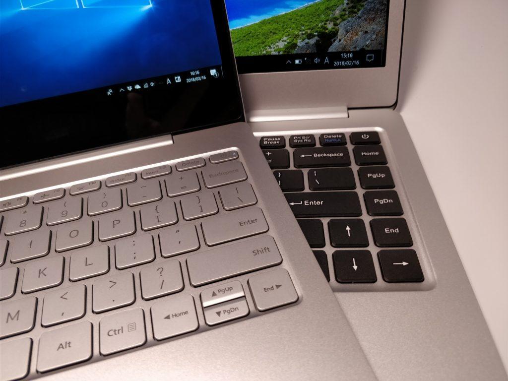 Teclast F7 Notebook VS Xiaomi Notebook air 比較 重ねる