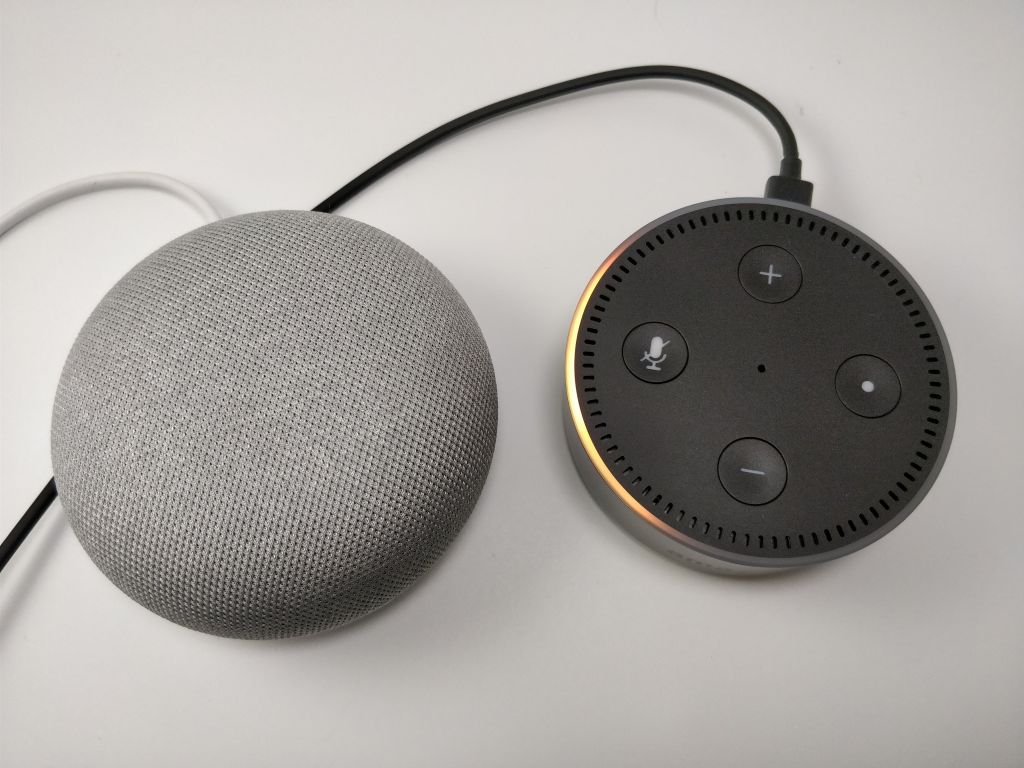 Amazon Echo Dot VS Google Home 押せない