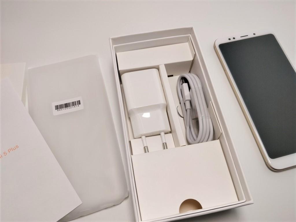 Xiaomi Redmi 5 Plus 付属品
