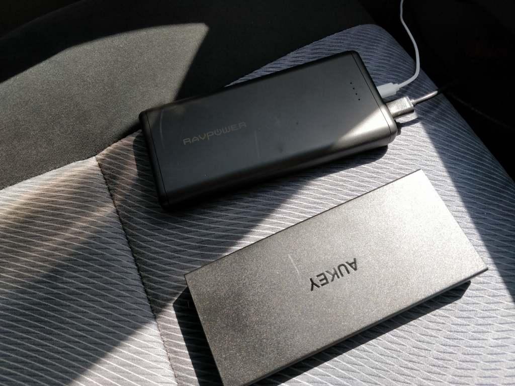 Xiaomi Mijia Aqara 180度HD IPカメラ クルマに設置 モバイルバッテリー