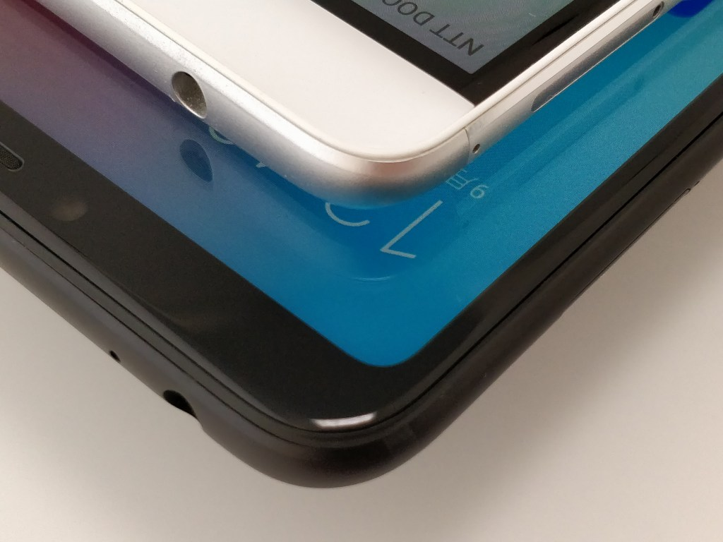 Xiaomi Mi Max 3 VS Huawei honor note 8 角