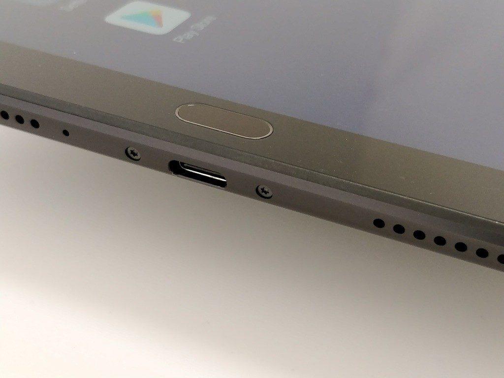 Xiaomi Mi Pad 4 Plus 側面 USB-C