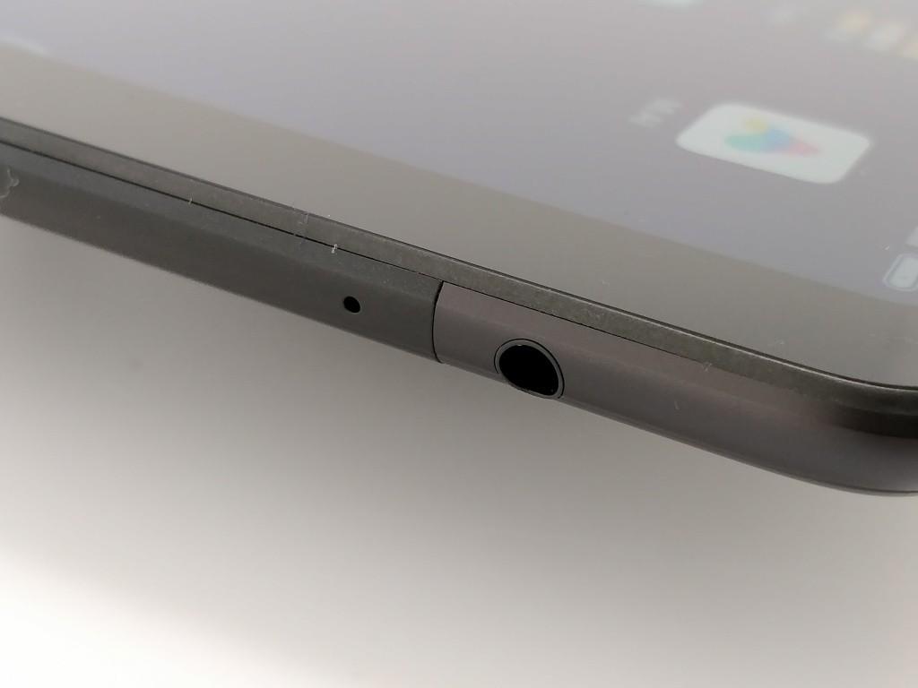 Xiaomi Mi Pad 4 Plus 側面 イヤホンジャック