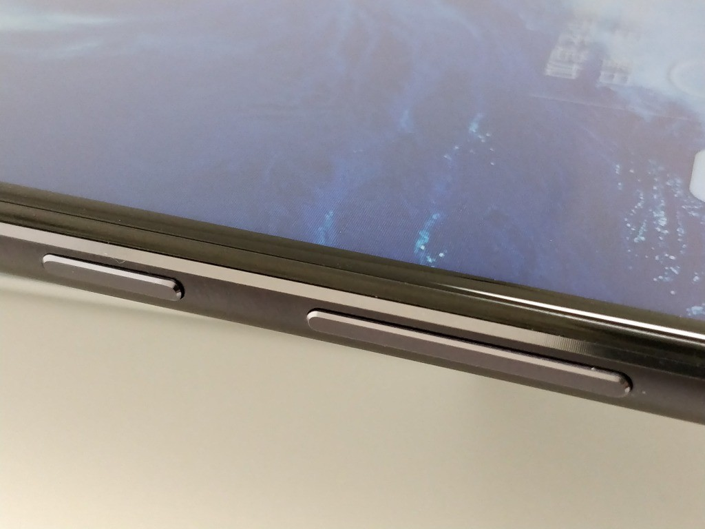 Huawei Honor 8X Max 側面ボタン