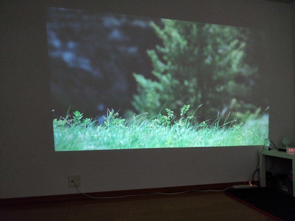 AUN M18 プロジェクター 壁  Amazon FireTV 映画