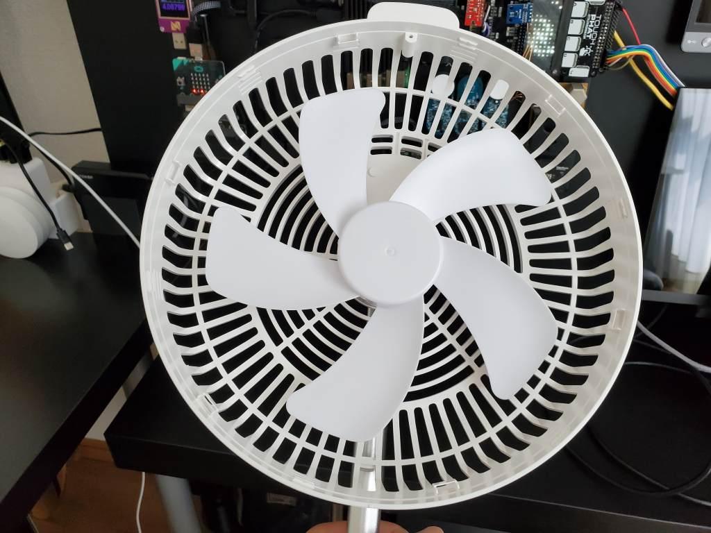 加湿器付きバッテリー内蔵 折りたたみ扇風機 EdonE908