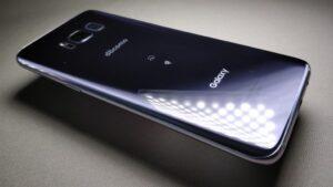 Galaxy S8 裏斜め2